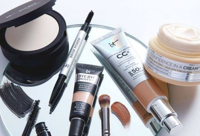 IT Cosmetics Canada Black Friday Deals: Save 25% OFF Everything + 30% OFF & 4 FREE Deluxe Samples w/ Your Purchase $120 + More