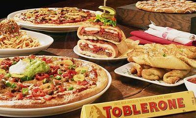 HOLIDAY CLASSICS at Boston Pizza